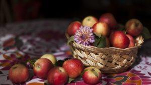 Чем полезны яблоки для организма человека