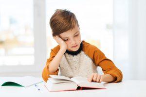 Движение глаз людей с дислексией указывает на утомительные и неэффективные стратегии чтения